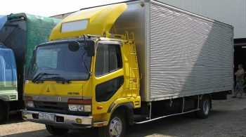 Mitsubishi FUSO Fighter 067